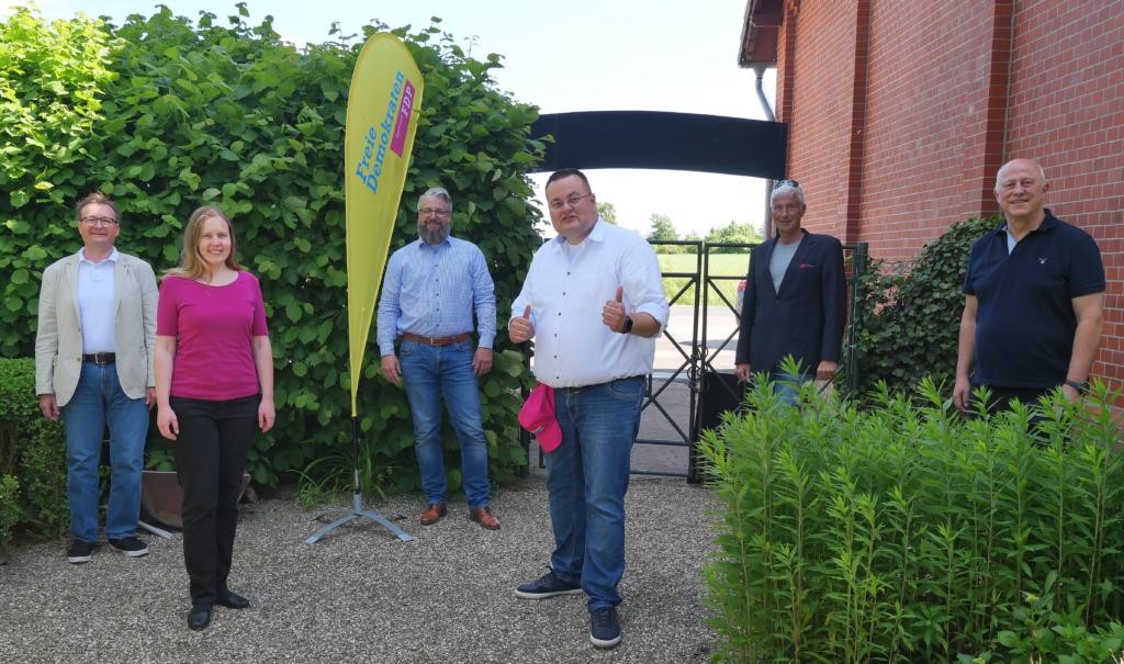 Das Team der FDP für den Rat der Stadt Hemmingen vlnr. Frank H. Roitzheim (6), Christiane Schömburg (2), Markus Hofmann (4), Steven Maaß (1), Ulrich Petersen (5), Ulrich Kusche (3)